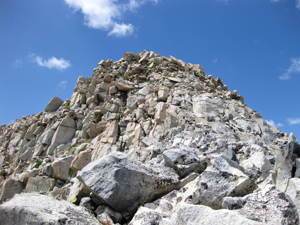True summit of Wahoo Peak