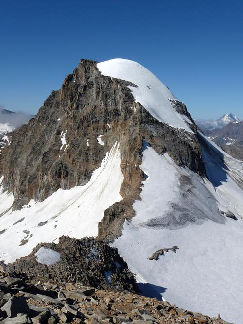 Ciarforon  (3.642m)  North Face and Normal Routes
