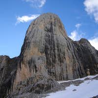West face of Naranjo de Bulnes / Urriellu. 2006.04.15