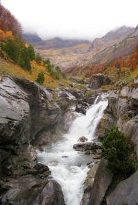 Waterfall in Pineta. 2005.10.30