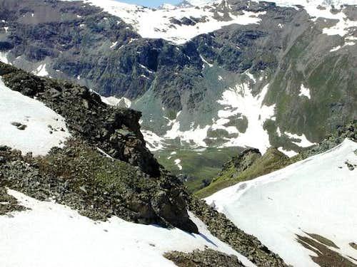 Monèy lake (2558 m.) view...
