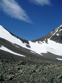 Snow field to saddle
