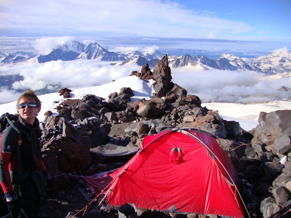 Our bivy above Pirjut 11 (4125m)