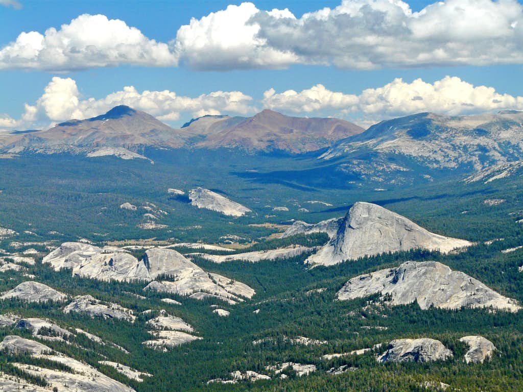 Over Tuolumne Meadows to Sierra crest from Tuolumne Peak