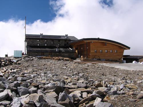 Alpine REFUGES in the Aosta Valley  (Gressoney Valley)