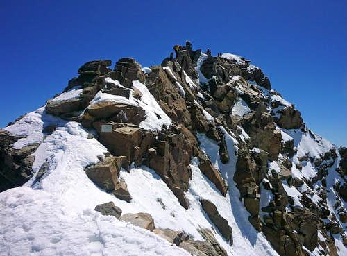 Summit ridge of Dufourspitze