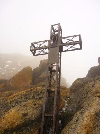 Iztaccihuatl - This is the cross you see from the Grupo de los cien hut -