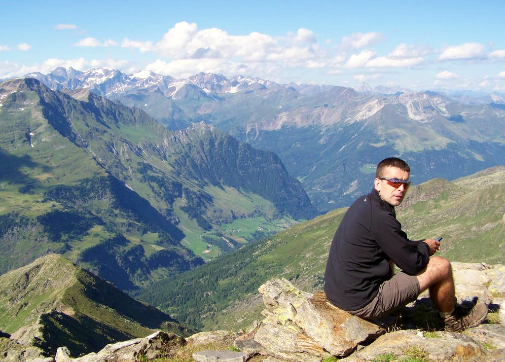 Summit photo on Sefiarspitze