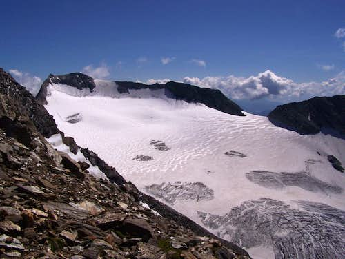 The glacier called Gliederferner as seen from the SW ridge of Hochfeiler