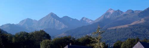 Panorama to the Pic d'Estos, Sarrouyès, Lustou, and d'Aret