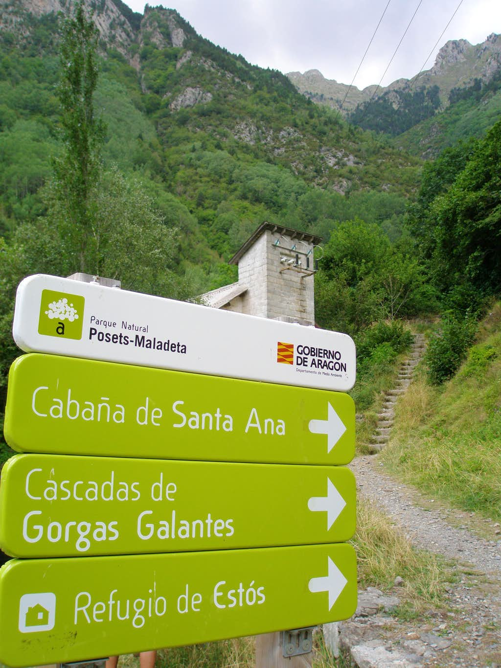 Entrance to the valley of Estós
