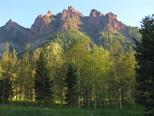 Peaks north of Maroon Lake