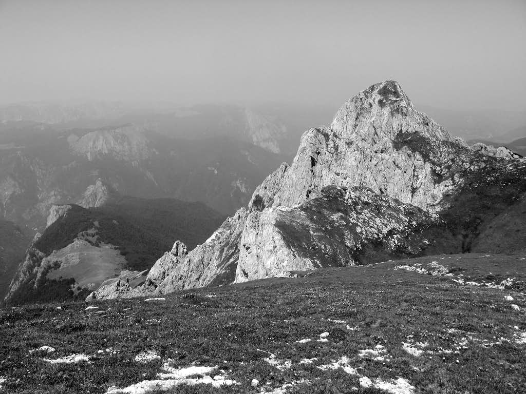 Bosanski Maglič and Prijevor in haze