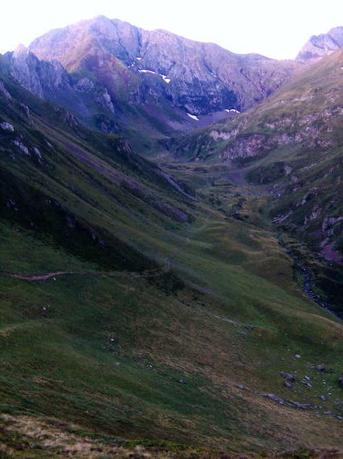 Climbing into the Sarrouyès valley at dawn