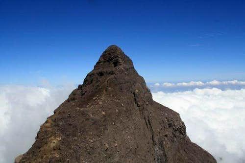 17 peak of Raung