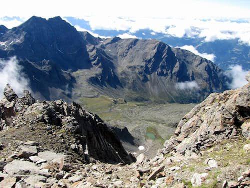 View from the south ridge to Hochschoberhütte