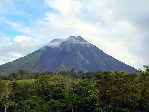 Volcan Arenal from the east.