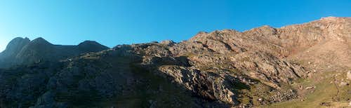 On the Sarrouyès pass, looking to the Pic d'Estos (in the shaddow)