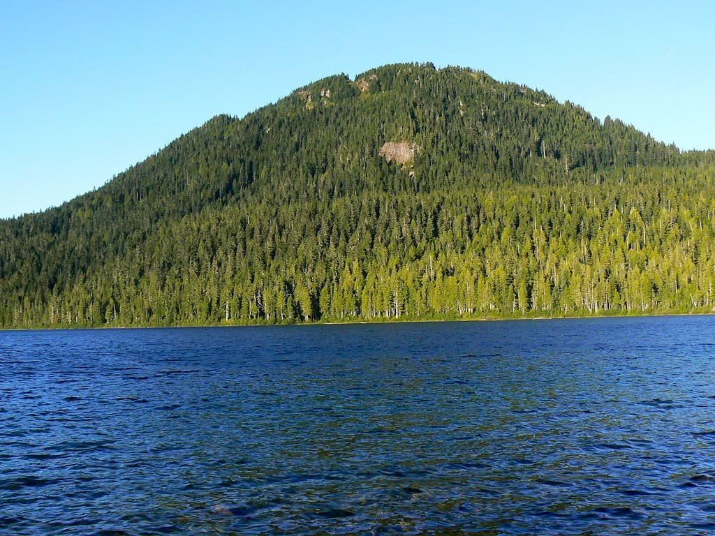 Mt Allan Brooks & Lake Helen McKenzie