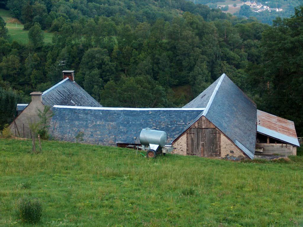 Farm near Azet