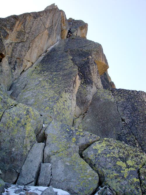 Aiguille de l'M NNE Ridge: Pitch 4