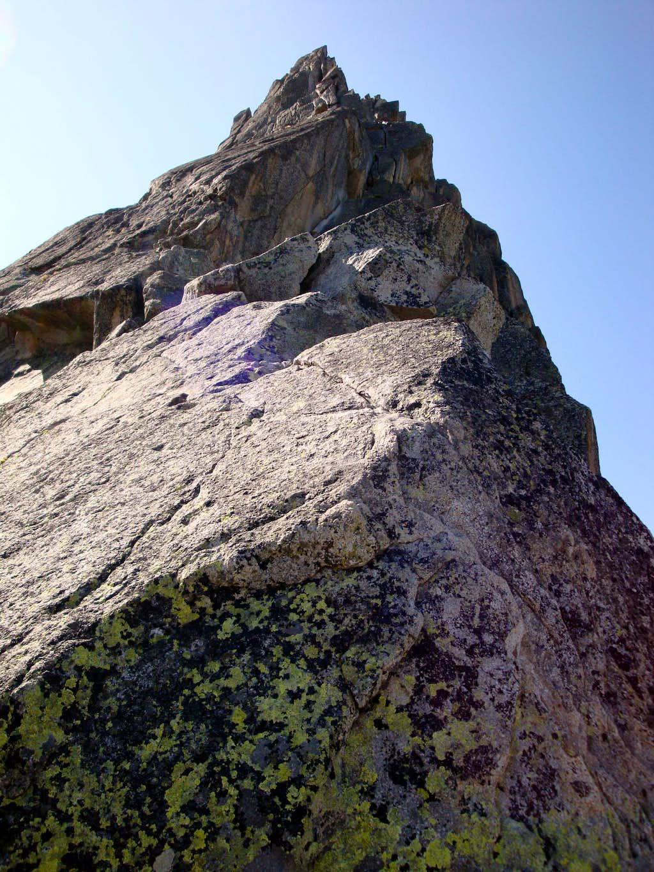 Aiguille de l'M NNE Ridge: Pitch 3