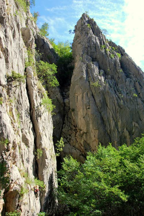 Another tens of routes to climb