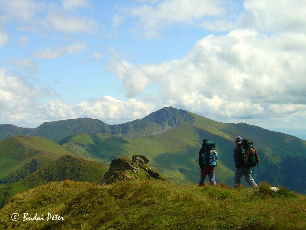 Adventurous trekking in the Rodnei Mountains