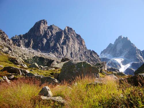 Aiguille de l\'M in afternoon sun