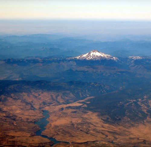 Mt Jefferson from 36,000 ft
