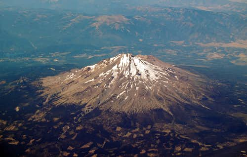 Mt Shasta\'s NE side from 36,000 ft
