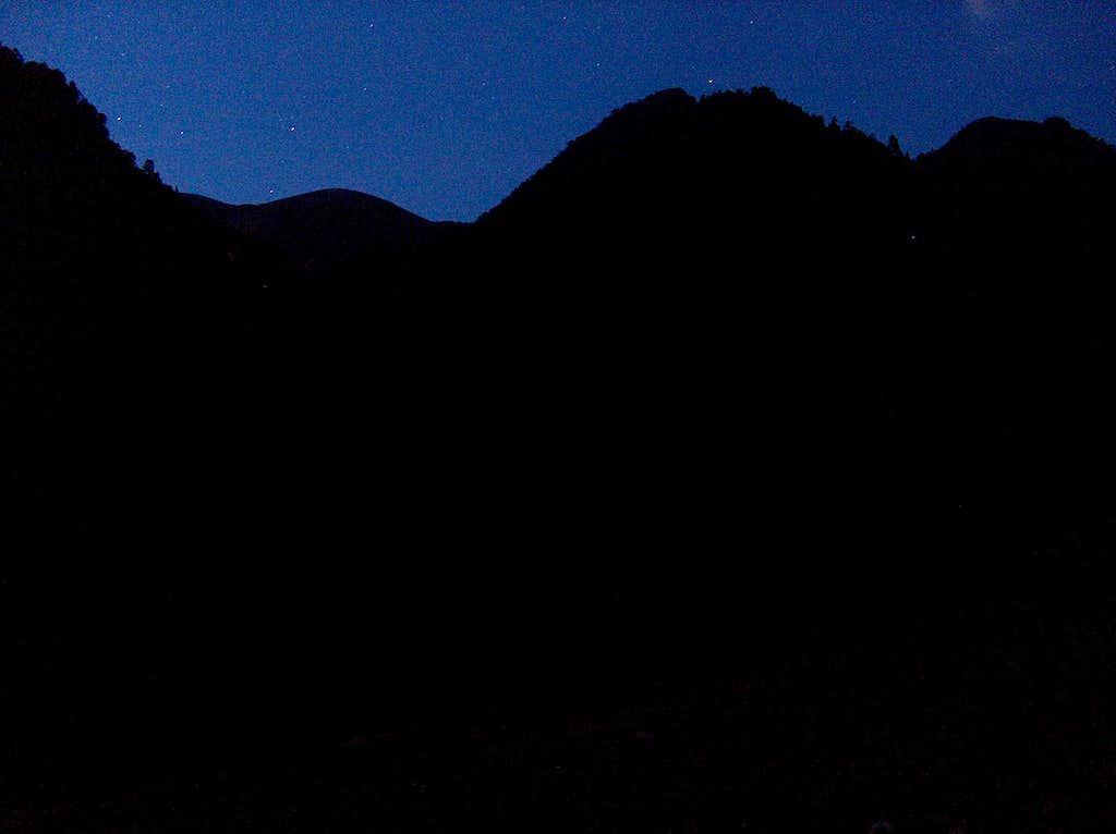 Cirque du Rioumajou, starting hiking in dark night...