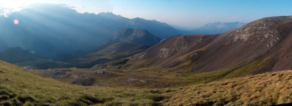 On the desertic ridge of the Peña Blanca, at the pass Port de Plan