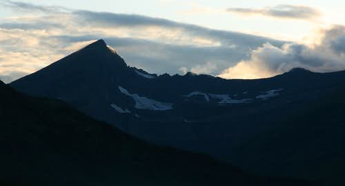 Swiftcurrent Mountain, Sunset