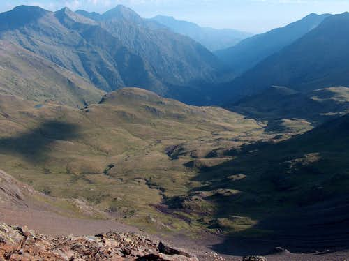 From Pico d'Ordiceto, looking down into the Rioumajou valley. Aret & Arbizon in bg