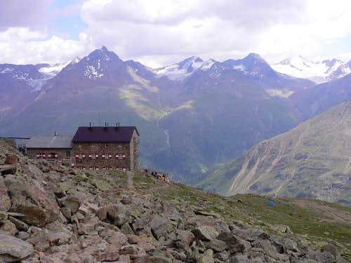 View of Ramolkogel from the Breslauer Hut