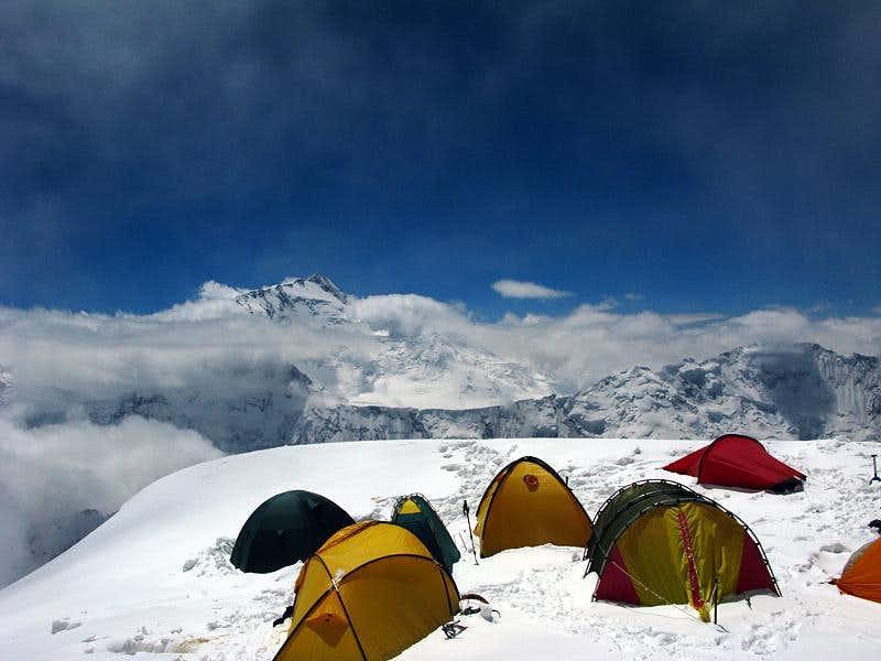 Pik Korzhenvskaya (7105m), Camp 3
