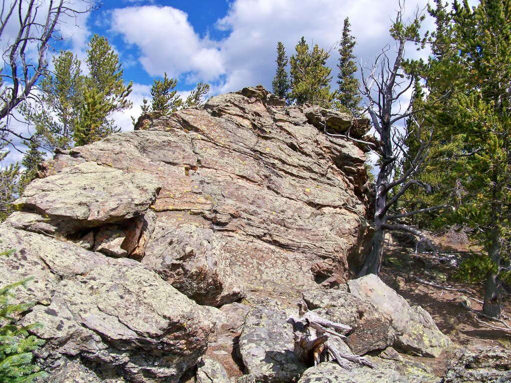 UN 11,060 summit outcrop