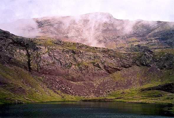 Barleto lakes, south slope the Suelsa