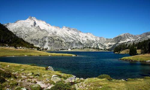 Lac d'Aumar et Pic du Néouvielle