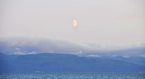 Moon over Homer