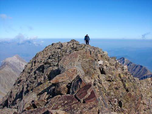 Lustou's summit