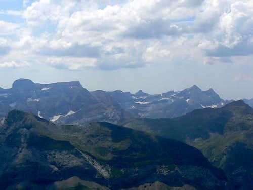 Soum des Salettes, looking west to the Gavarnie peaks