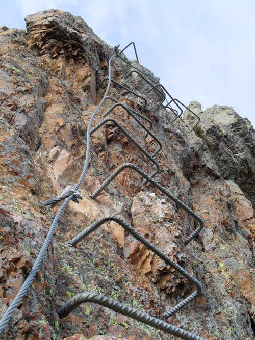 Via Ferrata degli Artisti - The typical protections