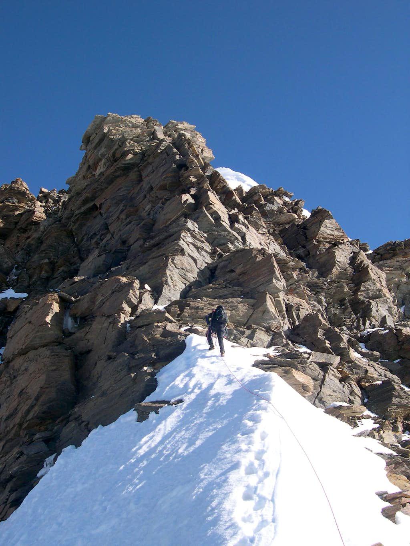 Snow ridge on cresta Sella