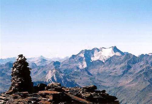 Vignemale and the top of Soum des Salettes