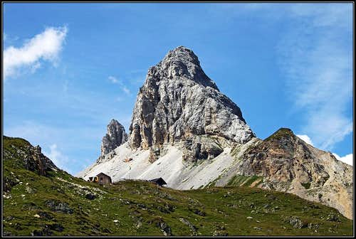 Grosse Kinigat / Monte Cavallino from the SE