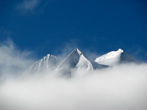 Pasang Lhamu Chuli (7350m)
