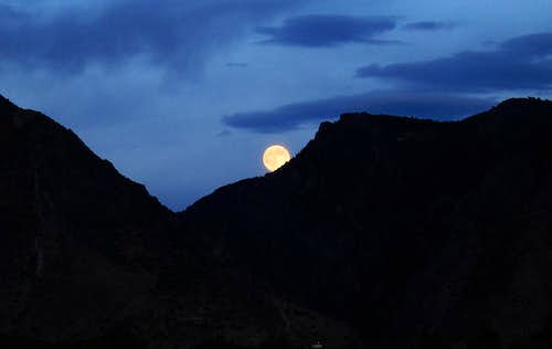 Moonrise over Timpanogos area
