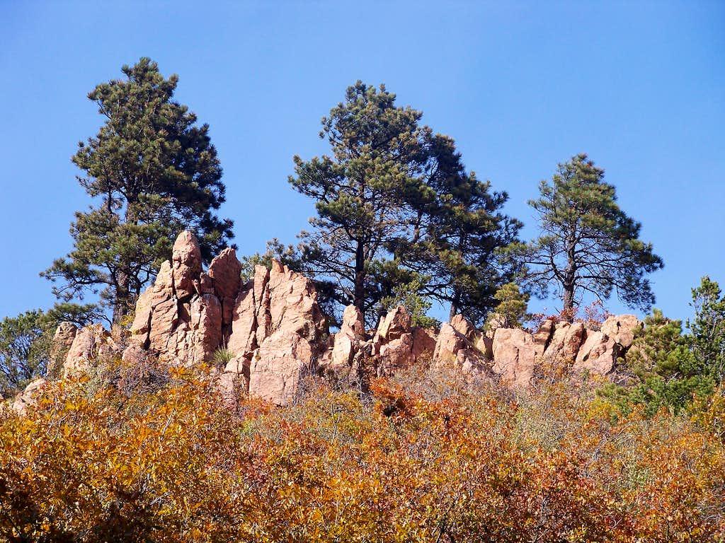 Outcrops and Ponderosa Pine
